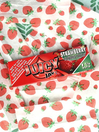 JJs Strawberry 1 1-4 Papers